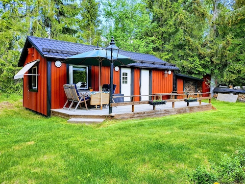 Cozy Guest House on Ingarö in the Stockholm Archipelago. Breakfast / Bike / Canoe .