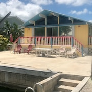 Quaint Florida Keys Home 3 bed 1.5 Bath on Canal