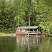 Waterside Cottage - Unique Setting and Experience - White Mountains, NH