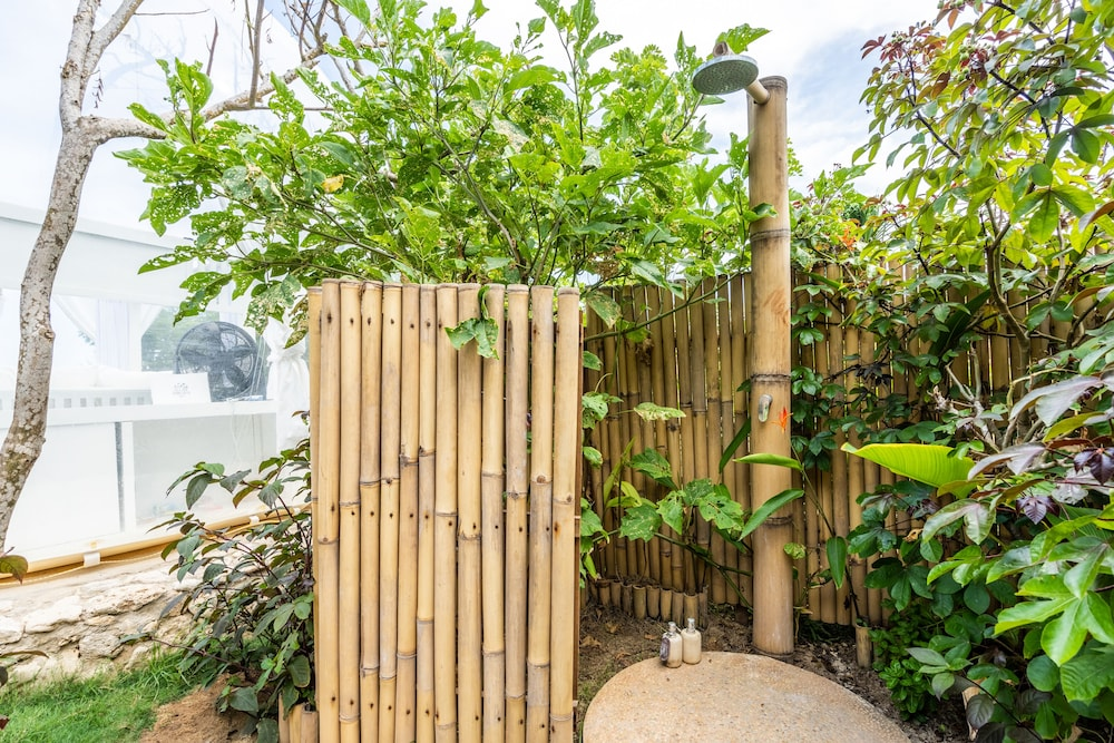 Bathroom Shower, Bubble Hotel Bali Nyang Nyang - Glamping