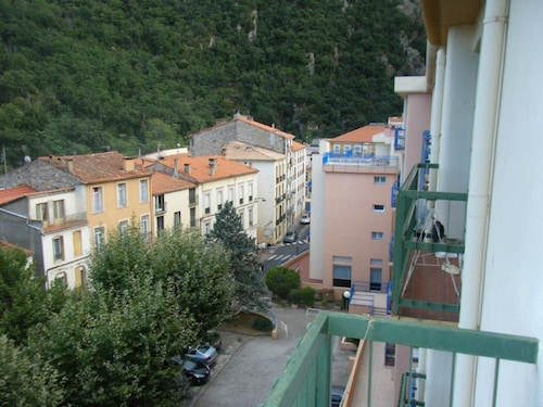Studio in Amélie-les-bains-palalda, With Wonderful Mountain View, Balcony and Wifi - 40 km From the Beach