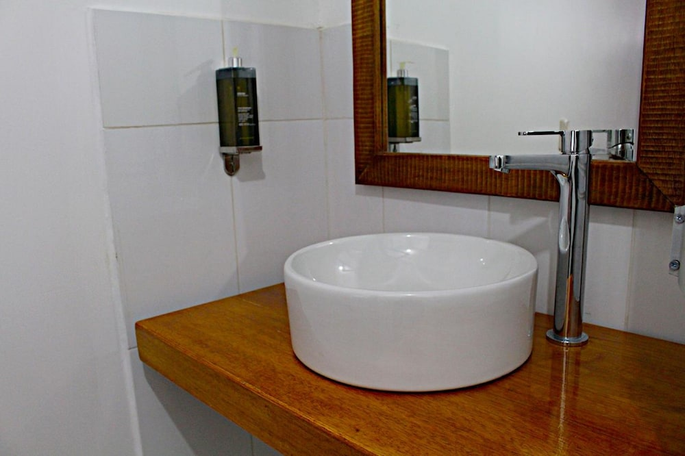 Bathroom Sink, Akilpo Guest House