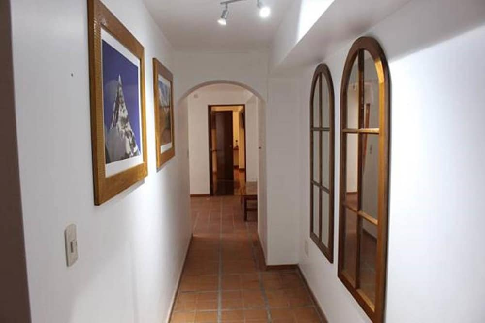 Hallway, Akilpo Guest House
