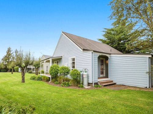 2 bedroom Cottage Near Huka Falls