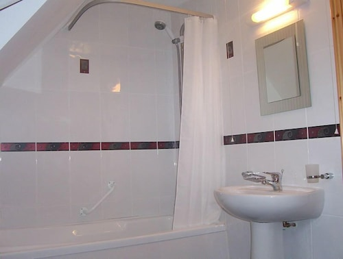 Bathroom, Millstone Cottages