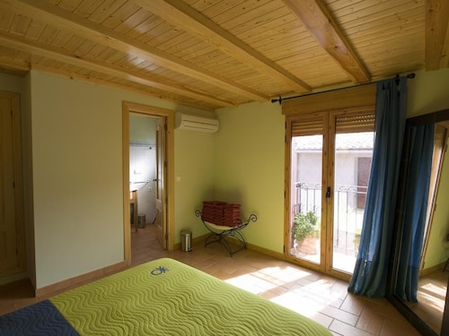 Casa Rural Ca Lluis Full Rental From 10 to 12 People