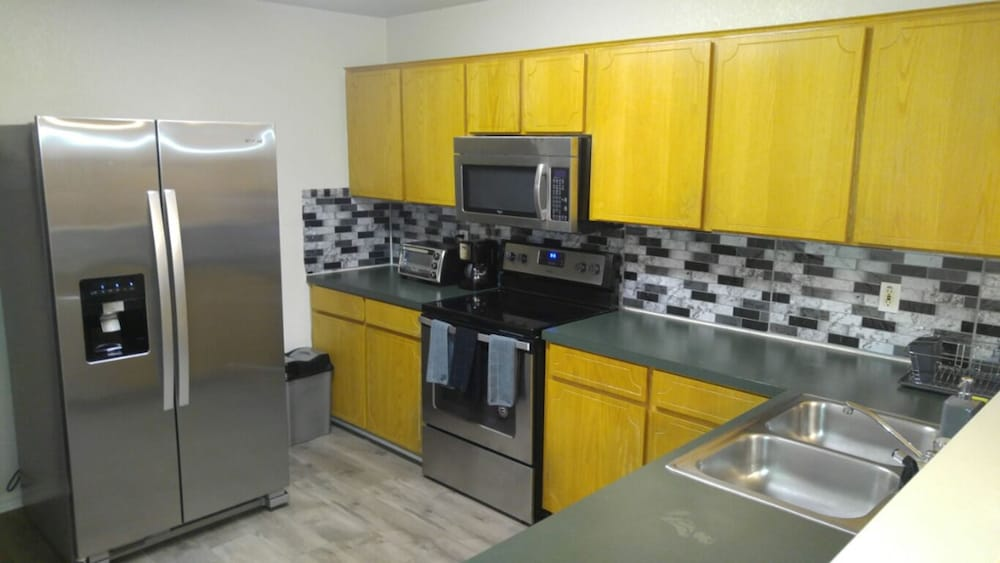 Private Kitchen, Affordable Poshly Furnished Apartment