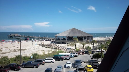 7/4-7/11/20 Oceanfront 4th of July top Floor 2BR 2BA Full Kitc. Resort