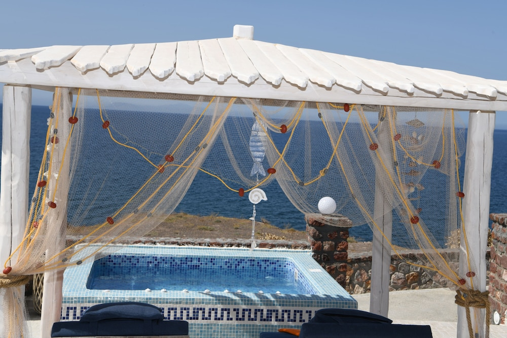 Private Spa Tub, Starlight Luxury Seaside Villa & Suites