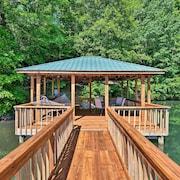 Waterfront Lake Norman Home w/ Dock & Boat Ramp