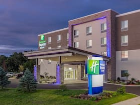 Holiday Inn Express & Suites Elkhart North, an IHG Hotel