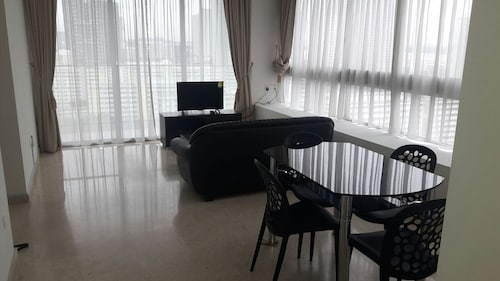 2 Bedroom Apartment, Clementi