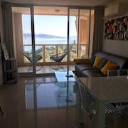 Beautiful sea View Apartment at the Foot of the Esterel