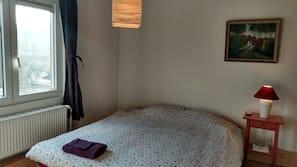 3 bedrooms, cots/infant beds, Internet