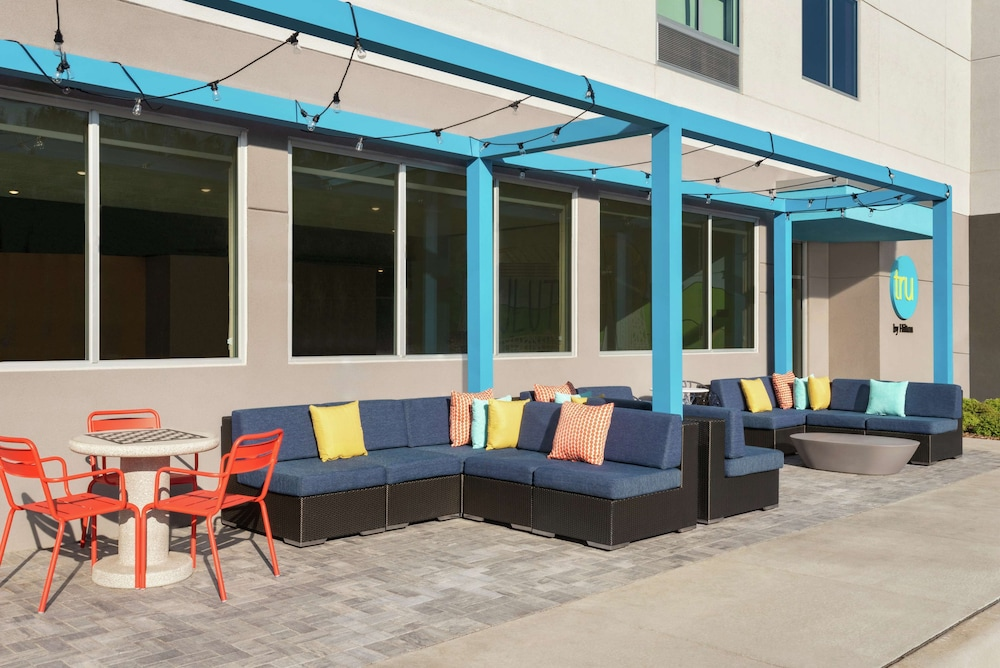 Terrace/Patio, Tru by Hilton Duluth Mall Area