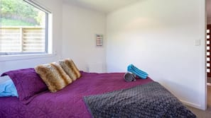 3 bedrooms, iron/ironing board, travel cot, WiFi