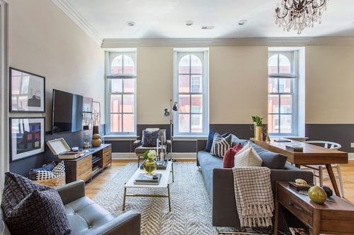 Chic 2br/1ba Apt Near the Liberty Bell by Domio!