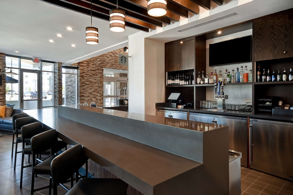 Bar, Hyatt Place Huntsville/Research Park