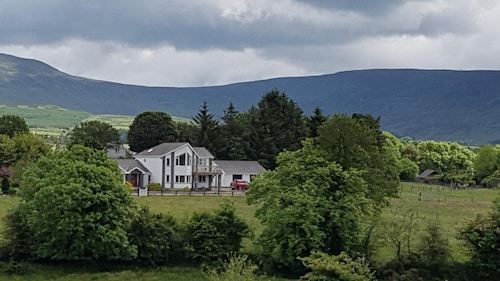 Lackandarra Lodge Entire House in a Beautiful Countryside at the Foothills of the Comeragh Mountains!!!