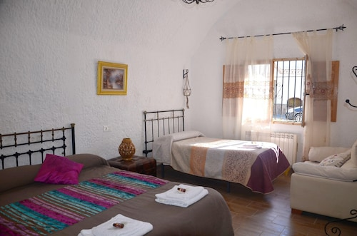 Property With 2 Bedrooms in Guadix, With Wonderful Mountain View and Wifi - 60 km From the Slopes
