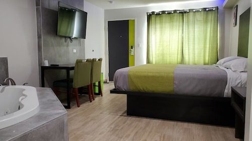 Exclusivo Inn & Suites