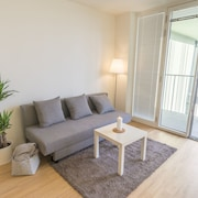 · Modern Flat Near Exhibition Center / Prater / WU