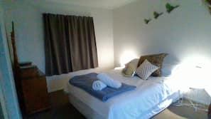 1 bedroom, iron/ironing board, linens