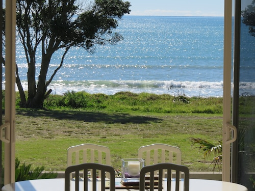 Stunning Seaside Retreat on Ohope Beach. Finalist Bach of the Year 2018