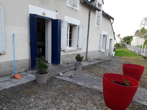 House With 2 Bedrooms in Luçay-le-mâle, With Enclosed Garden