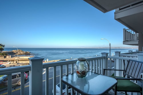3709 Lover's Point Beach Retreat