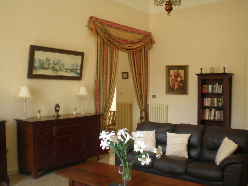 Living Room, Lovely Spacious Apartment in Loreto Aprutino