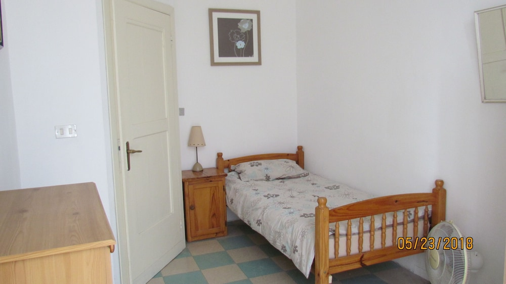 Room, Lovely Spacious Apartment in Loreto Aprutino