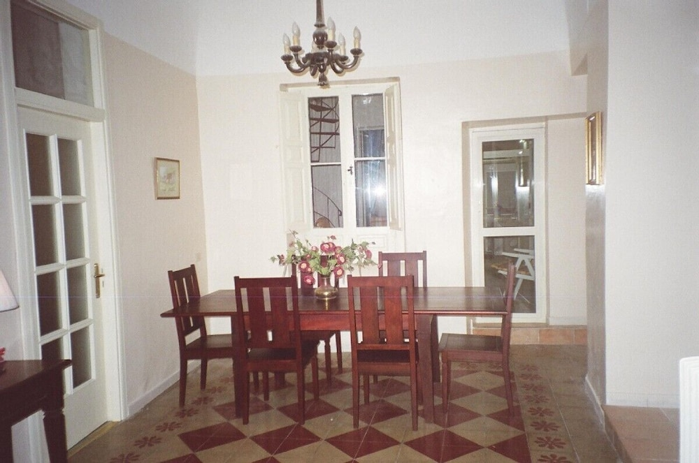 In-Room Dining, Lovely Spacious Apartment in Loreto Aprutino