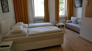 Allergikerbettwaren, Zimmersafe, Schreibtisch, kostenlose Babybetten