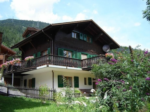 Big Chalet With Sauna, 3 Bathrooms, Walking Minutes From Cable Car,private Park