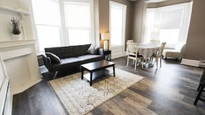 Individually furnished, iron/ironing board, free WiFi