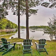 Waterfront Sebago Lake Cottage W/dock + Beach