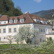 Vacation in the Historic Landschlösschen, in the Middle of the Wachau