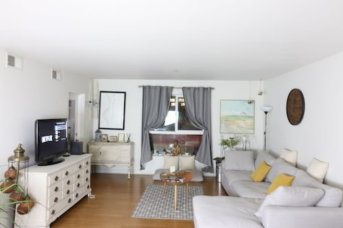 COSY 2BT & 2BD Apartment | Kostenloses Parken | Heart of LA!