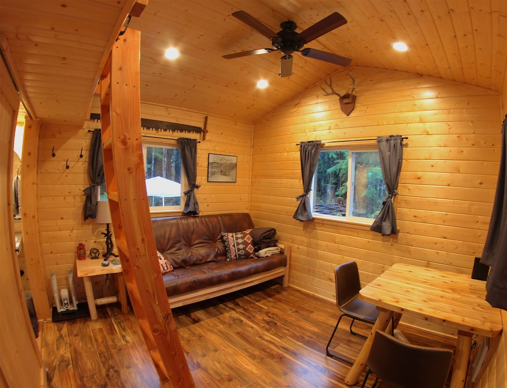 In-Room Dining, A tiny cabin with big adventures!