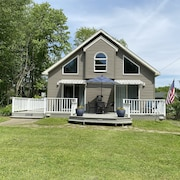 One-of-a Kind Cottage, Close to Lake, Marina and Golf, Quiet and Comfortable