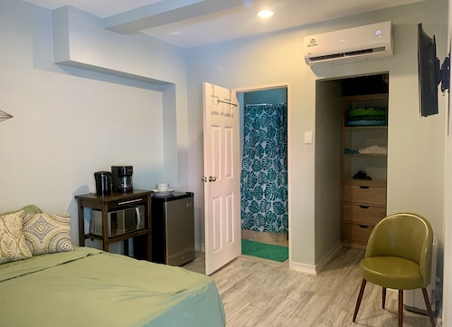 Modern Maraval Accommodation