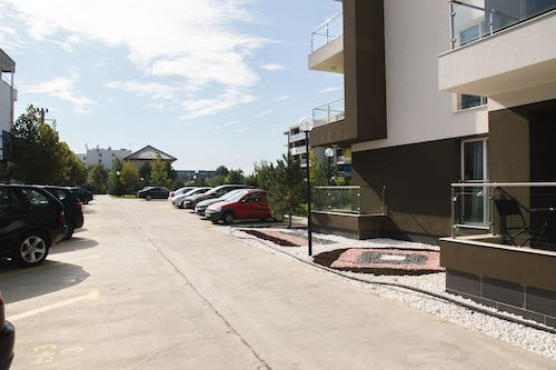 Airport Residence - 5 Mins From Airport - Bucharest Henri Coanda