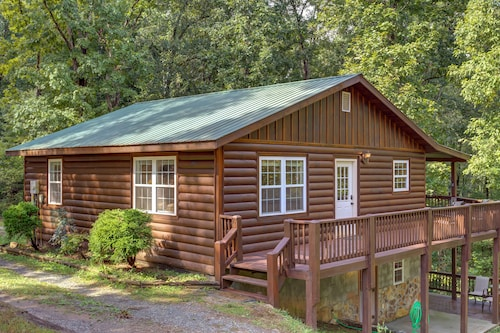 NEW Listing - Pet-friendly 3BR Cabin Close to Blue Ridge