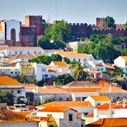 Portuguese Townhouse, Bar, Restaurants, History, Golf, Beaches Nearby