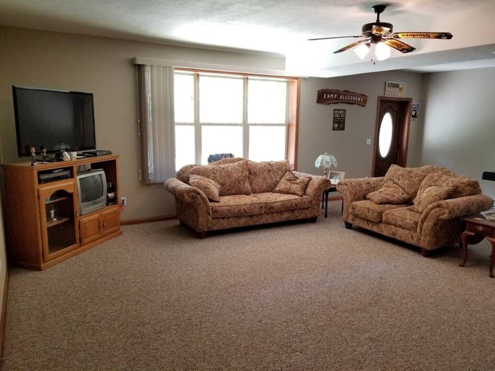 Living Room, Come Here for Rest and Relaxation!