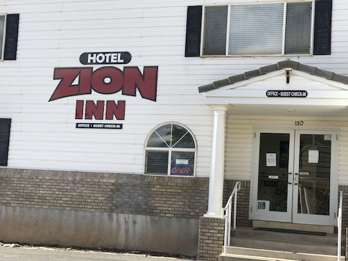 Hotel Zion Inn Rooms With 1 King, 2 King ,2 Queen Beds, Laverkin, Utah