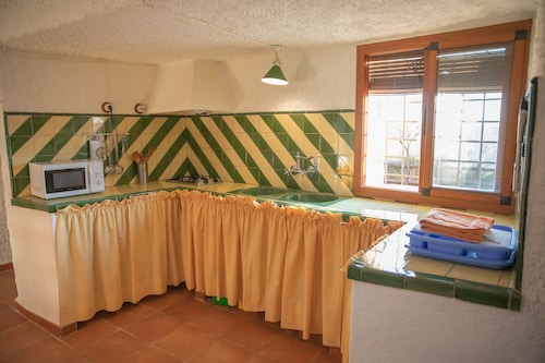 Self Catering Cuevas el Torriblanco for 2 People