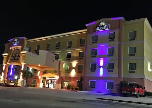 Hotel Robinson Inn and Suites