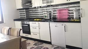 Fridge, oven, hob, dishwasher